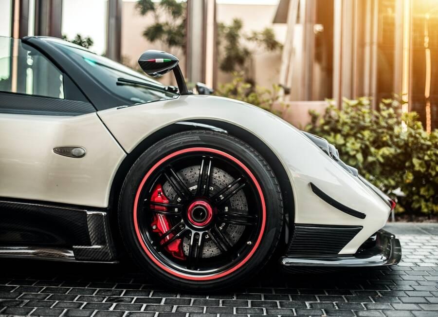 Porówneo: Auto na minuty a OC – ubezpieczenie pożyczonego samochodu