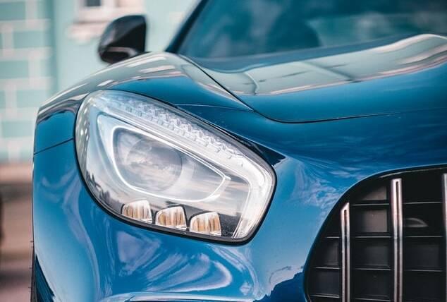 Porówneo: Jak kupić używany samochód – poradnik