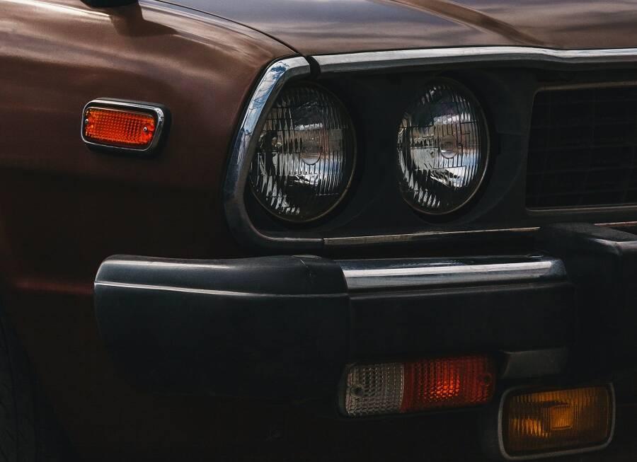 Porówneo: Sposoby na porysowany lakier – Jak usunąć drobne rysy? Jak zabezpieczyć auto?