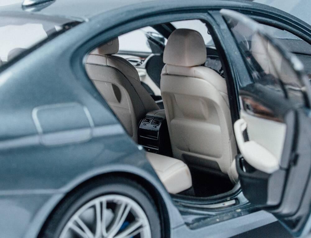Porówneo: 10 najlepszych gadżetów samochodowych do 100 złotych