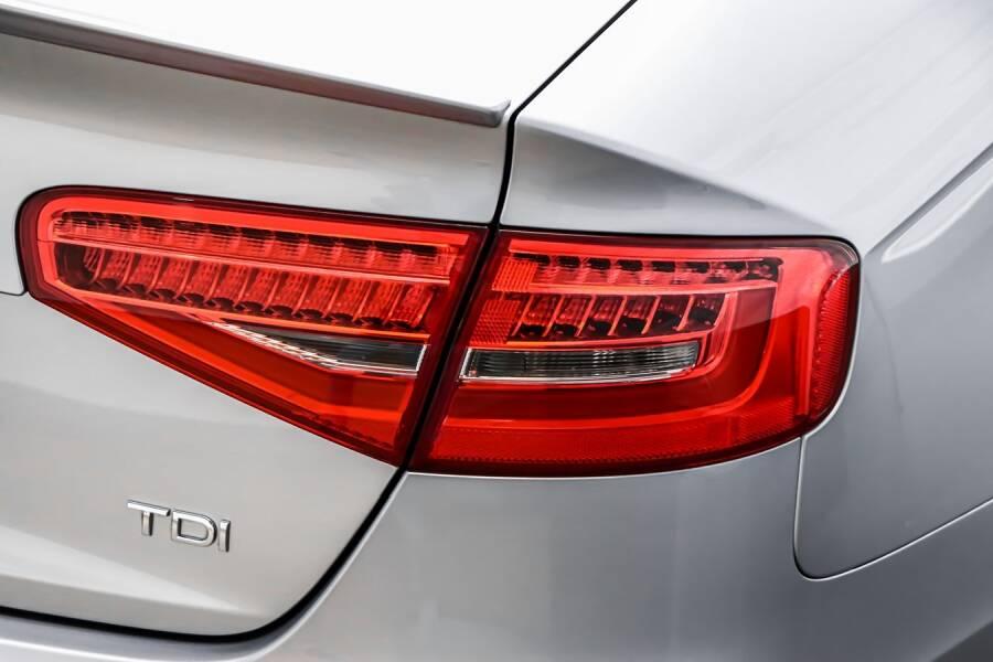 Porówneo: Najczęstsze oszustwa przy kupnie używanego samochodu