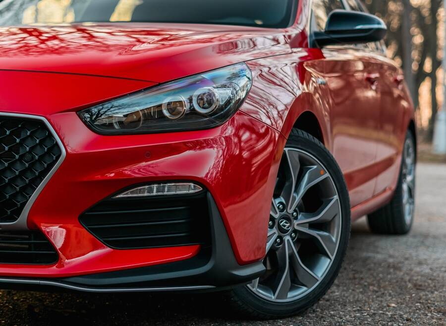 Porówneo: Jak i gdzie zgłosić sprzedaż samochodu?