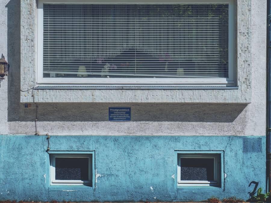 Porówneo: Czy ubezpieczenie mieszkania obejmuje piwnicę?