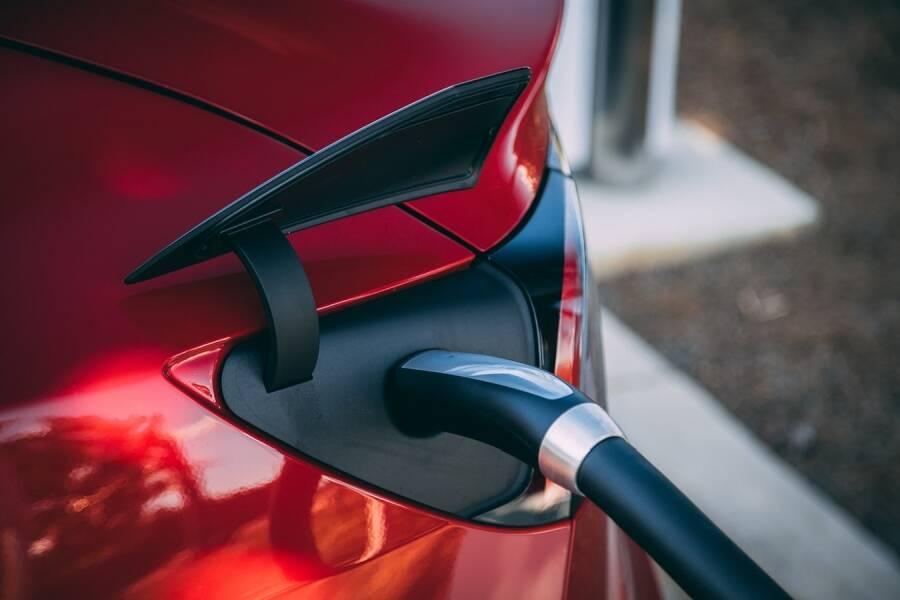 Porówneo: Zielone tablice rejestracyjne dla aut elektrycznych i wodorowych