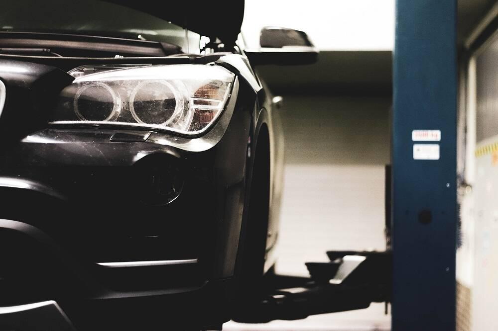 Porówneo: Reklamacja naprawy w warsztacie samochodowym – do czego masz prawo?