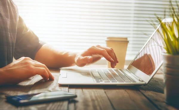Porówneo: OC przez internet – szybko, wygodnie i tanio